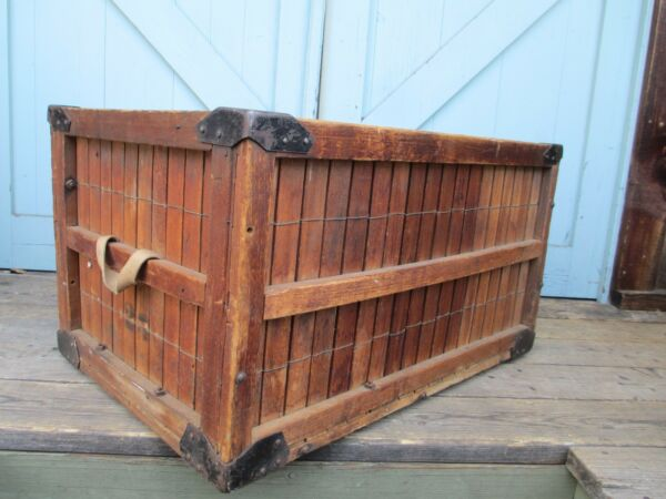 INDUSTRIAL  STEAMPUNK wooden slat BOX  CRATE coffee table CAN - BE - DELIVERED