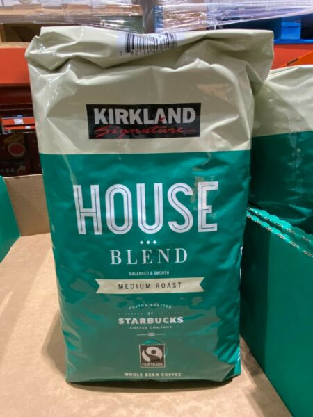 Kirkland Signature Roasted by Starbucks House Blend Whole Bean Coffee 907g