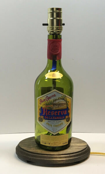JOSE CUERVO RESERVA Tequila  Liquor Bottle TABLE LAMP Light with Wood Base