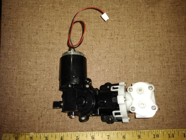9AA69 KEURIG PARTS: WATER PUMP PISTON TYPE FROM 2.0 12VDC VERY GOOD COND