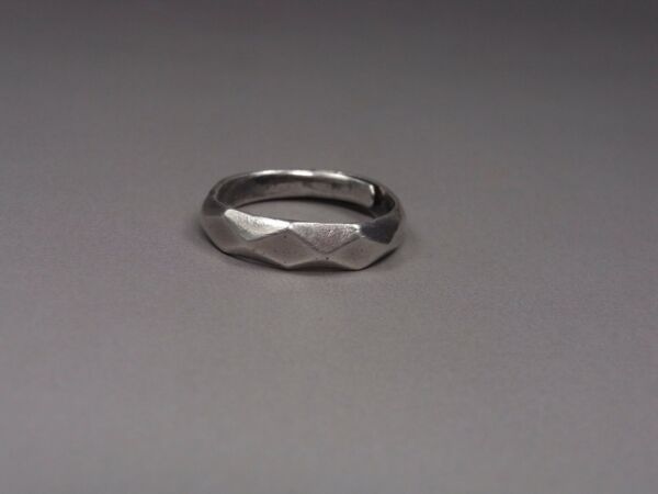 An Adjustable Antique Chinese Solid Silver Ring - Signature of producer