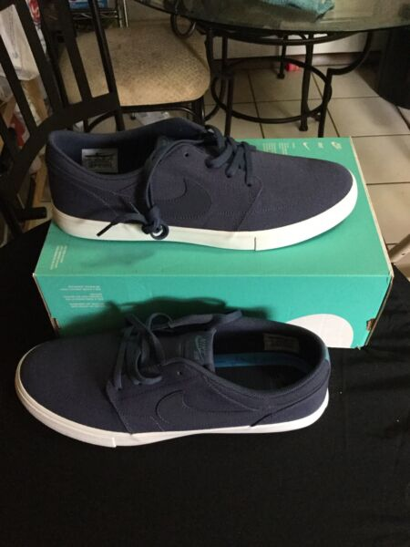 New nike sb portmore 2 solar men fashion sneakers size 12 color navy