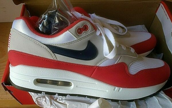 NIKE Air Max 1 USA. 4th. of July Betsy Ross Flag US.  Men's 9.5 size(11 Women's)