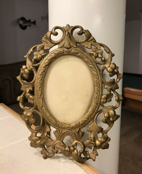 VictorianVintage Cast Iron Gilded Picture Frame Heavy *As is