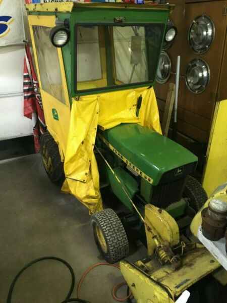 JOHN DEERE 110 with cab snow blower blade wieghts and chains
