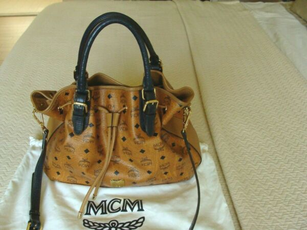 MCM 100% AUTHENTIC  WOMEN SHOULDER  LARGE LEATHER BAG MADE IN GERMANY