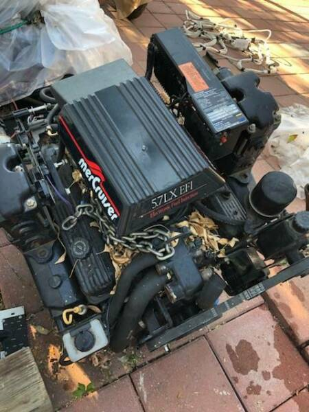 MerCruiser 350 5.7LX EFI  Marine Engine 250 HP  BRAVO Pair of V8 Mercs