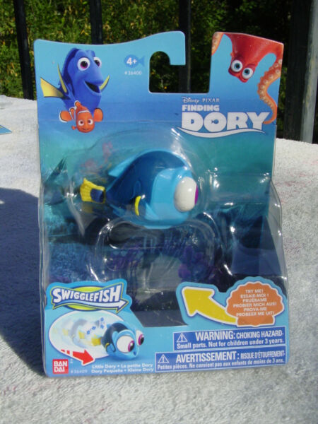 DISNEY FINDING DORY SWIGGLEFISH LITTLE DORY ACTION ROLLING FIGURE TOY NEW MIP!