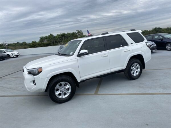 2019 Toyota 4Runner SR5 Premium 2019 Toyota 4Runner Super White with 2681 Miles available now!