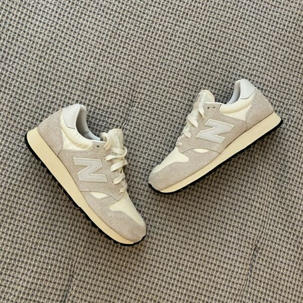 New Balance 520 – Size 7.5 – Men's White Hairy Suede Sneakers