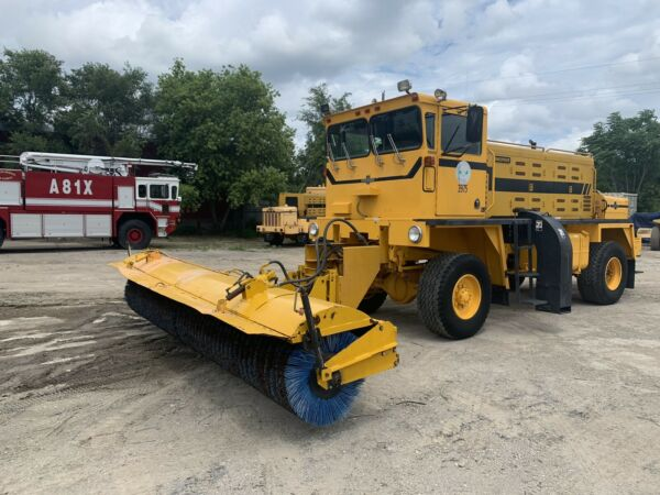 Oshkosh Sweepster H2318SP Airport Runway Sweeper Snow