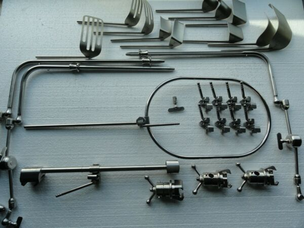 Iron Intern Omni-Tract 28 Piece Expanded Surgical Retractor System with Case