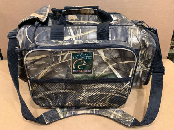 DUCKS UNLIMITED MAD DOG GEAR HUNTING BLIND FIELD BAG. DUCK GOOSE HUNTING $24.50