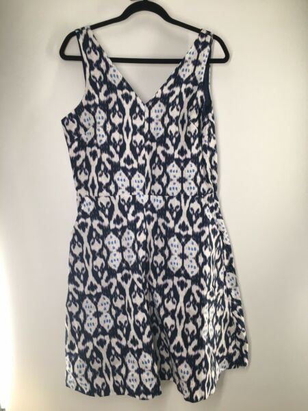 GAP Womens 8 T Dress 100% Linen Fit amp; Flare Sleeveless V Neck Pockets Lined Blue $19.97