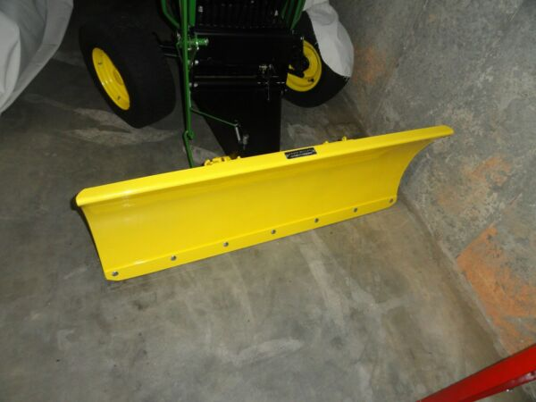 John Deere snow dirt blade. 110 216 and others. LOCAL PICKUP