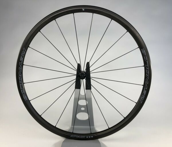 Reynolds Attack carbon clincher MINT 602gm FRONT ONLY rim brake TUBELESS ready $500.00