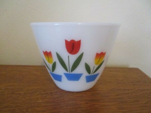 VINTAGE 4quot; X 5 1 2quot; FIRE KING OVEN WARE TULIPS MIXING BOWL 19