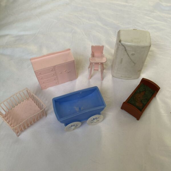 Vintage 1963 dollhouse Furniture For Baby Nursery 6 Piece Lot $12.99