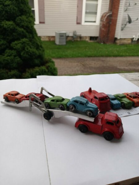 VINTAGE BARCLAY CAR CARRIER WITH 8 CARS $125.00