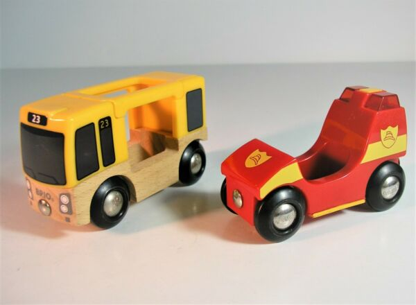 BRIO FIRE TRUCK WITH LIGHT amp; SOUND PLUS WOODEN TRAVEL BUS