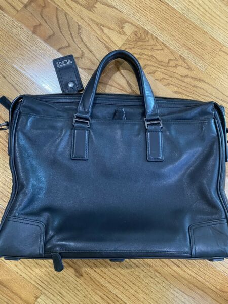 Tumi Black All Leather Laptop Bag Briefcase Large $199.00
