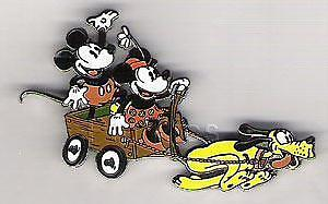 Disney Auctions Pluto Pulling Mickey Mouse & Minnie Mouse in Wagon LE 100 Pin