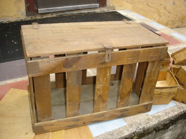 Vintage Wooden Strawberry Shipping Crate With 25 Baskets And 2 Shelves -Preowned