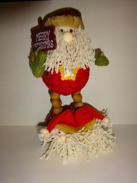 Yarn Santa with Merry Christmas Sign