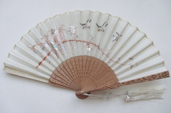 Antique Chinese Carved Sandal Wood Hand Embroidered Silk Fan w Org Lacquer Box