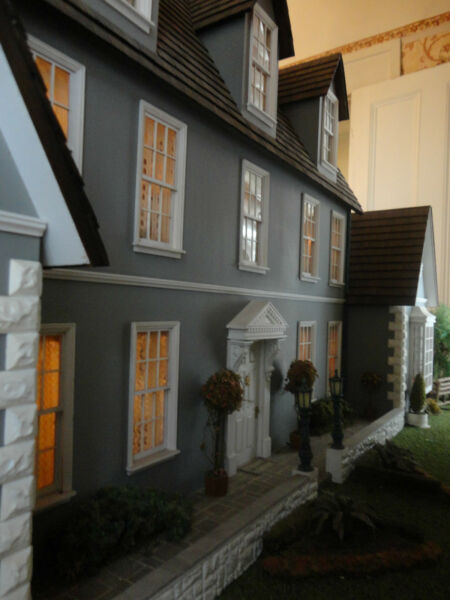 Doll House 1:12  House By