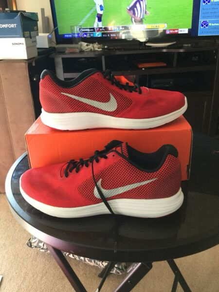 New nike revolution men running sneakers size 12 color red