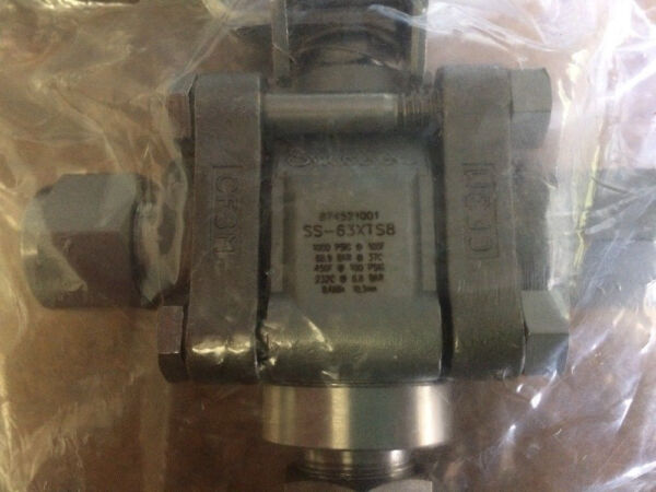 370 Count of SS-63XTS8 Swagelok lot with MTRs 3-way ball valve
