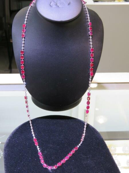 LIQUIDATION!! $70000 18KT GOLD 72CT MAGNIFICENT LONG RUBY WHITE DIAMOND NECKLACE