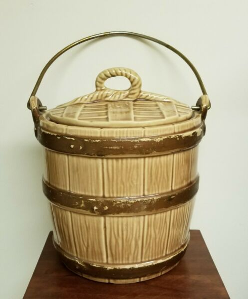 VINTAGE POTTERY COVERED BARREL PAIL BUCKET COOKIE JAR CANISTER WITH METAL HANDLE