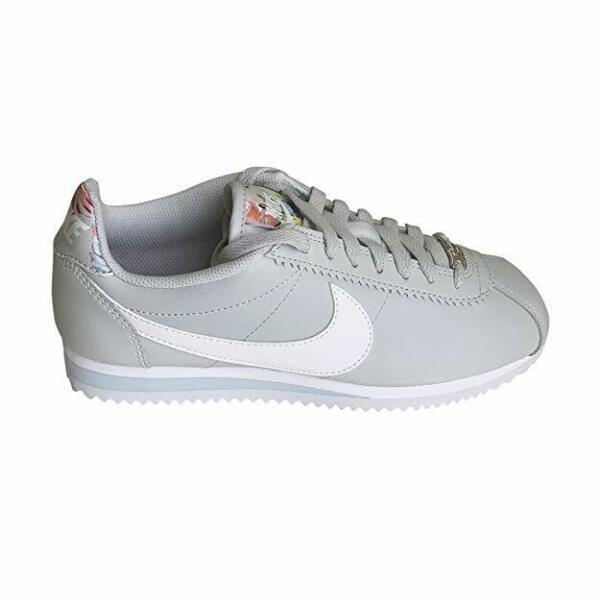 Nike  Classic Cortez  Womens Sneakers New Shoes