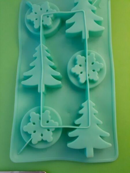 Christmas TreeSnowflake Ice Cube Tray-SmallFlexible Plastic Mold-(6) Cubes
