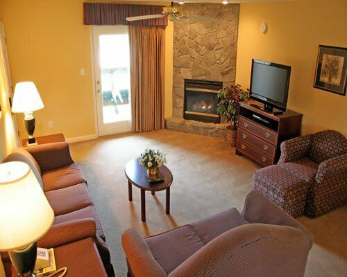 WOODSTONE AT MASSANUTTEN DELUXE 4 BEDROOM ANNUAL TIMESHARE FOR SALE
