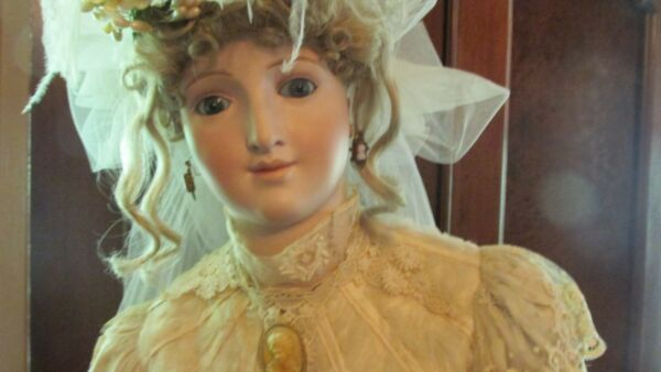 Museum Quality Lady Grace Bru 5 ft Life Size Mannequin Doll Repro Excellent