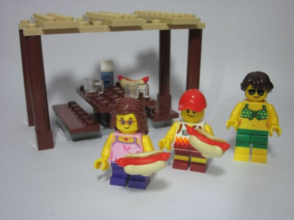 LEGO City Summer custom patio picnic with 3 minifigures pergola and hot dogs $17.99