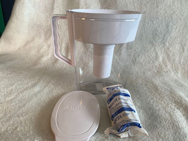 Brita Slim Water Filter Pitcher 5 Cup White amp; Brand New Sealed Filter