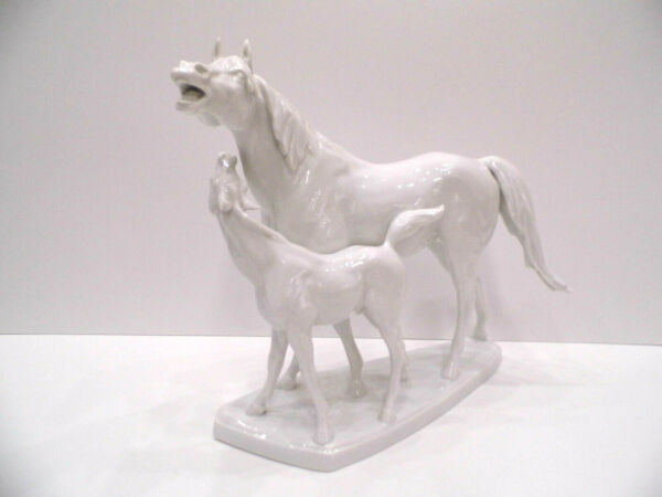 HEREND MOTHER HORSE WITH FOAL WHITE LARGE FIGURINES12 inches tall5893FEHER