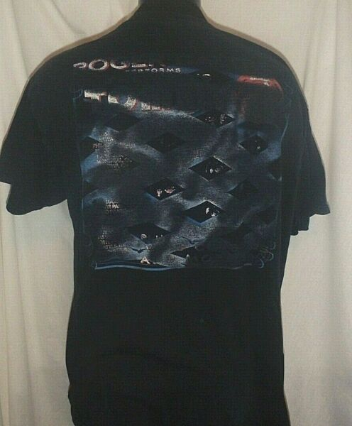 2011 Rodger Daltrey Performs Tommy Shirt Size Large Double Sided $14.00