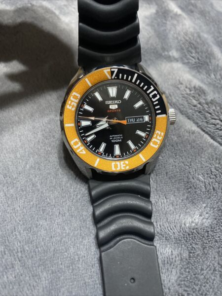 SRPC59J1 MADE in JAPAN SEIKO 5 Sports Automatic 100m. $125.00