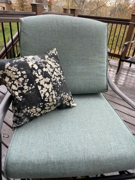 Outdoor Cushion Hand Made In US 2 Set $30.00