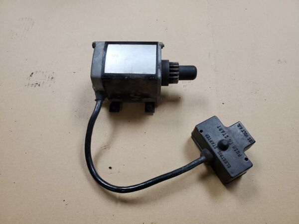 OEM Tecumseh Toro Craftsman Snow Blower Engine Electric Starter Motor 33328D