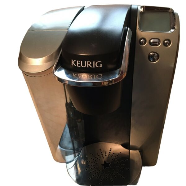 Keurig B70 Platinum Single Cup Brewer Black Silver Extra Filters Coffee and box