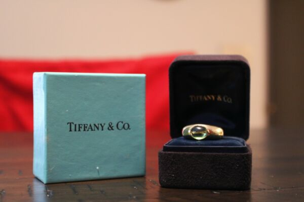 Tiffany amp; Co. 18k Green Touramine Yellow Gold Ring Excellent Condition