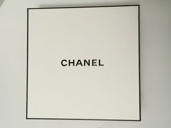 New CHANEL 2020 Large Gift Box w Ribbon and Tissue