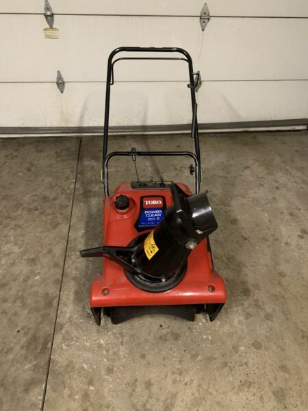 Toro Power Clear 721 E 21 in. Single Stage Gas Snow Blower 210 Chute Thrower