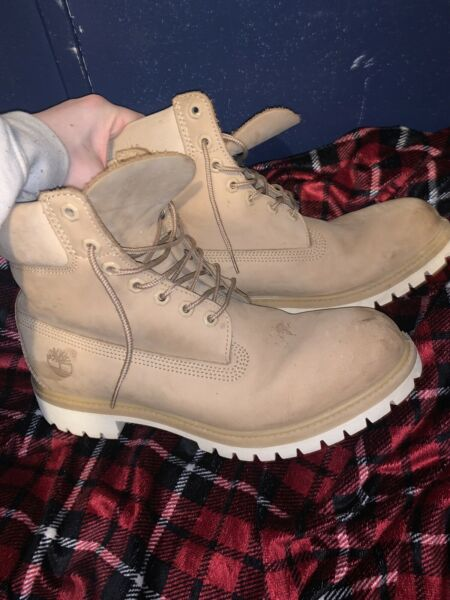 Timberland Boots Beige Size 11 $95.00